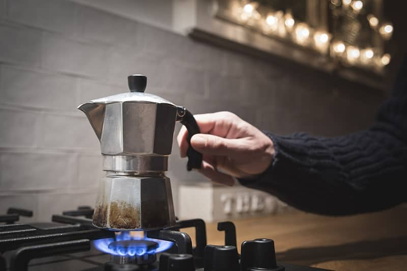 Stovetop Coffee Maker Vs French Press : Moka Pot Coffee Brewing Tutorial The Complete Guide